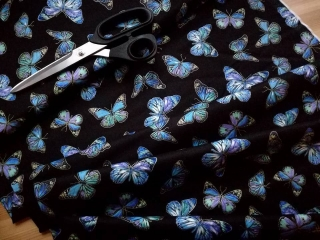 BUTTERFLIES ON BLACK-zlatotisk